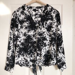 ⬇️ TALBOTS Black and White Blouse size Small